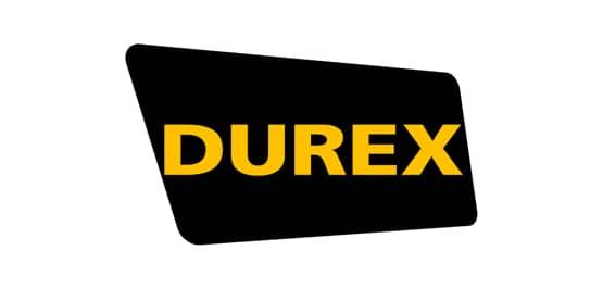 Ein schwarzes Rechteck, seitlicher Ansicht. Darin Durex in Großbuchstaben in gelber Schrift.