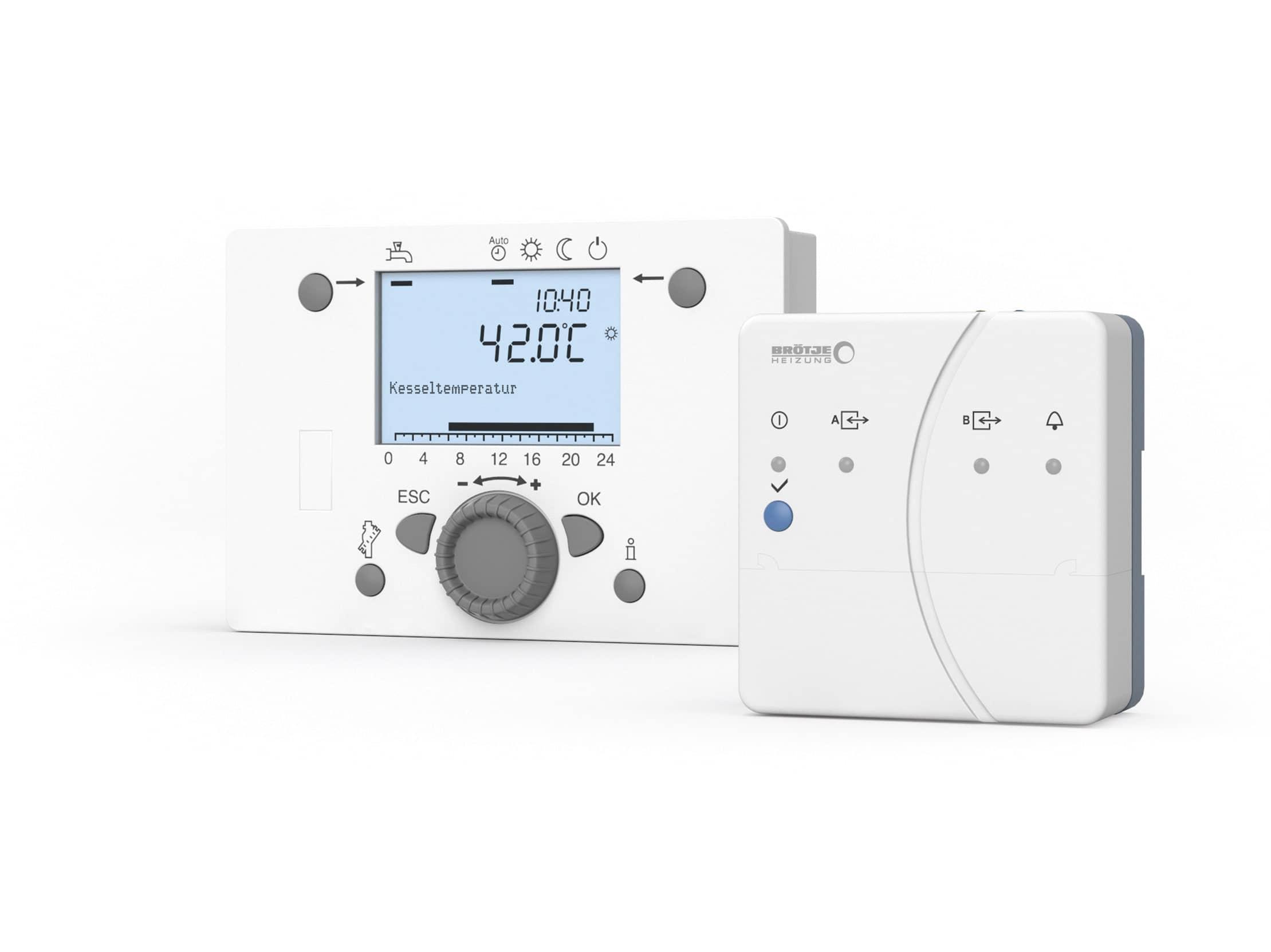 Produktbild des Solarreglers ISR Plus OZW in weiß mit grauen Bedienelementen.