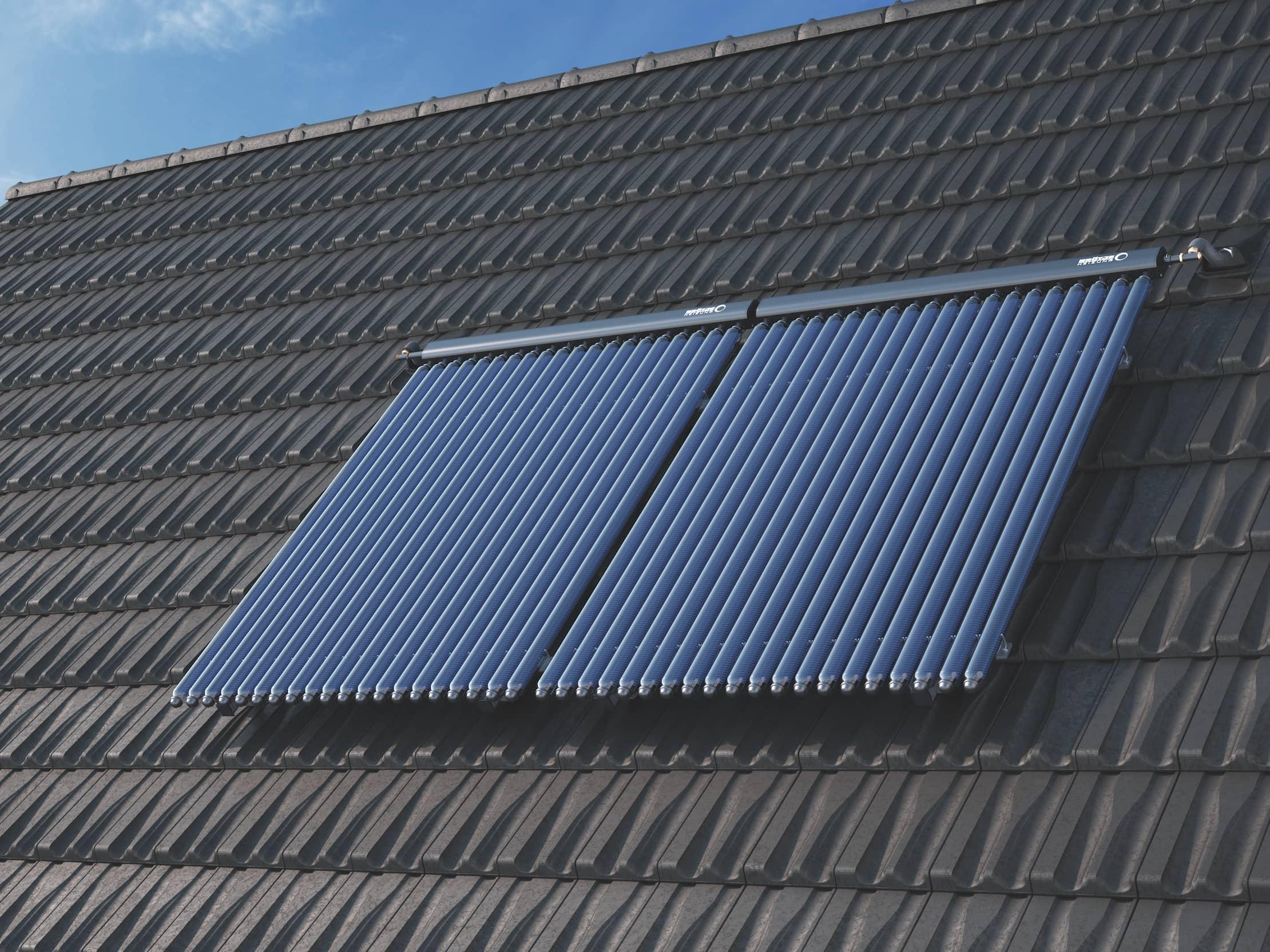 Der Flachkollektor HP auf einem Hausdach montiert.