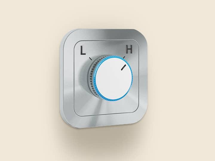 Kleines, quadratisches Bedienelement mit Drehknopf, zur Umstellung von L-Gas auf H-Gas.