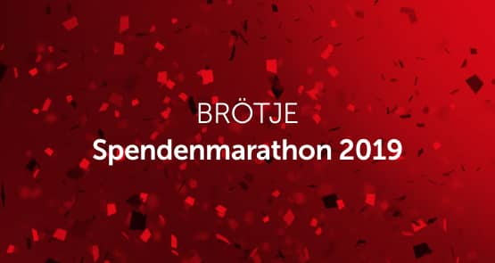 """Weiße Schrift """"BRÖTJE Spendenmarathon 2019"""" auf einem dunkelroten Hintergrund."""